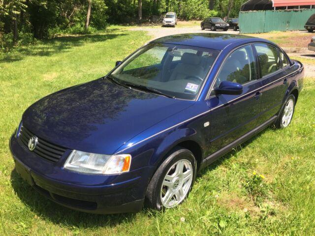 Imagen 1 de Volkswagen Passat blue