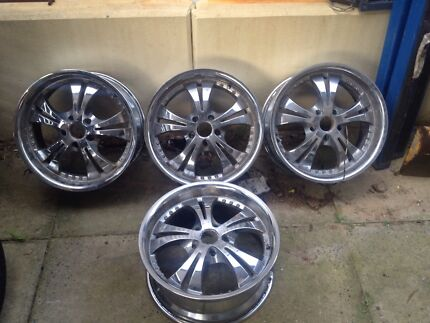 "18"" chrome rims Leda Kwinana Area Preview"
