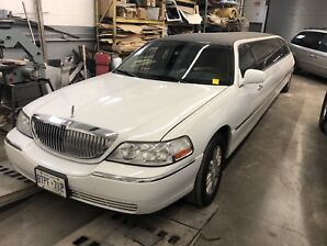 2010 Lincoln Towncar Stretch Limousine DOT LimoGuyManufacturing