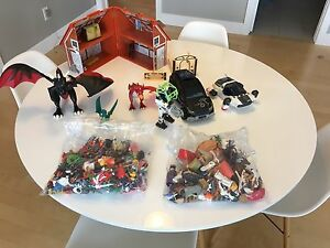 Collection of pieces and  vehicles Playmobil