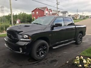 Ram Sport 2016 ... crazy low mileage