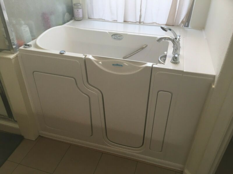 Safe Step Walk In Tub, Good Condition