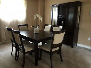 Dining table and 6 chairs buffet and hutch set