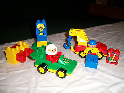Lego / Duplo Town 2599 Racer & Tow Truck Set Vintage and Retired (1998) Complete