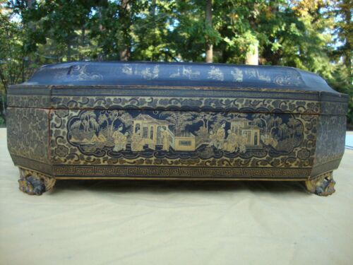 19th CENTURY ANTIQUE CHINESE LACQUER GAME BOX