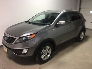 2012 Kia Sportage LX All wheel drive | Local | Heated seats |...
