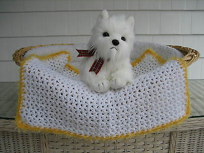 Fancy Dog Cat Bed Blanket White with Yellow Faux Fur Trim