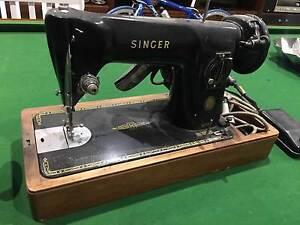 Antique Sewing Machine Package – Signer/Overlocker/Scissors Ormond Glen Eira Area Preview