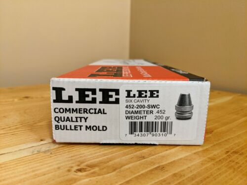 Lee 6 Cavity Bullet Mold for 45 ACP, 45 Colt - 452-200-SWC  (#90310)