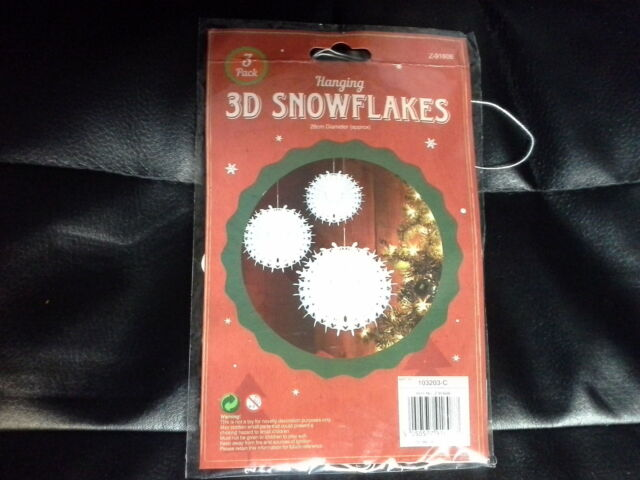 SET OF 3 WHITE 3D HANGING PAPER SNOWFLAKES CHRISTMAS DECORATIONS 28cm DIAM