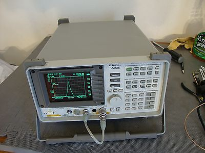 Hp Agilent 8593e Spectrum Analyzer W Various Options 9 Khz - 26.9 Ghz Opt 2627