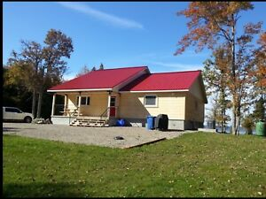 Waterfront Cottage For Rent near Chapeau Quebec