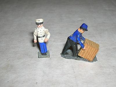 Schöne alte PREISER Holz Figuren H0 - Schutzmann & Lagerarbeiter - 50er Jahre