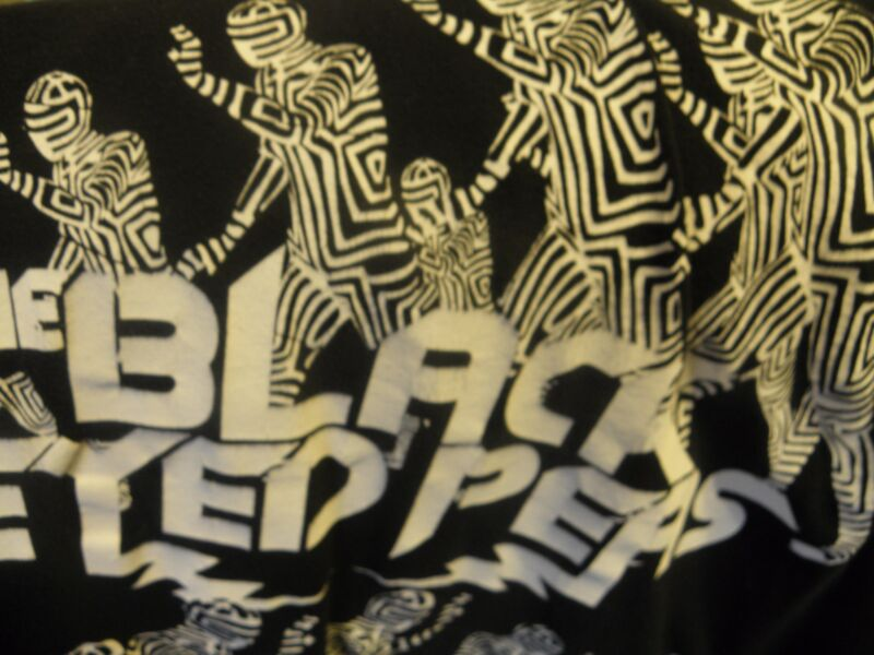 the Black Eyed Peas T-Shirt size large Figures in Black & White Costumes