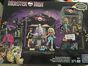 Mega Bloks monster high