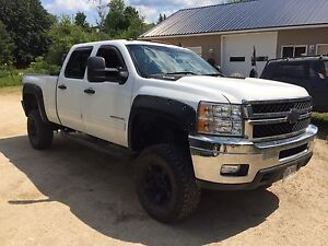 "2013 Silverado 2500HD 4x4 with 4"" lift 62,000 kms"