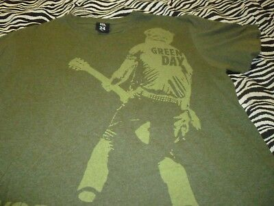 Green Day / Hard Rock Cafe Shirt ( Used Size L/XL ) Good Condition!!!
