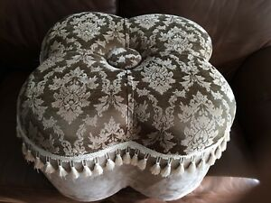 Soft green / taupe Ottoman
