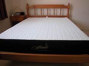 Near New Memory Foam Bed Mattress (Double) Wynnum Brisbane South East Preview