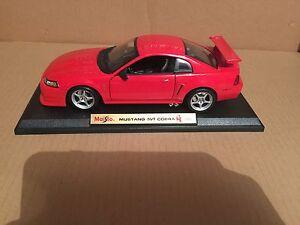 2000 Mustang SVT Cobra 1:18 Scale model unboxed