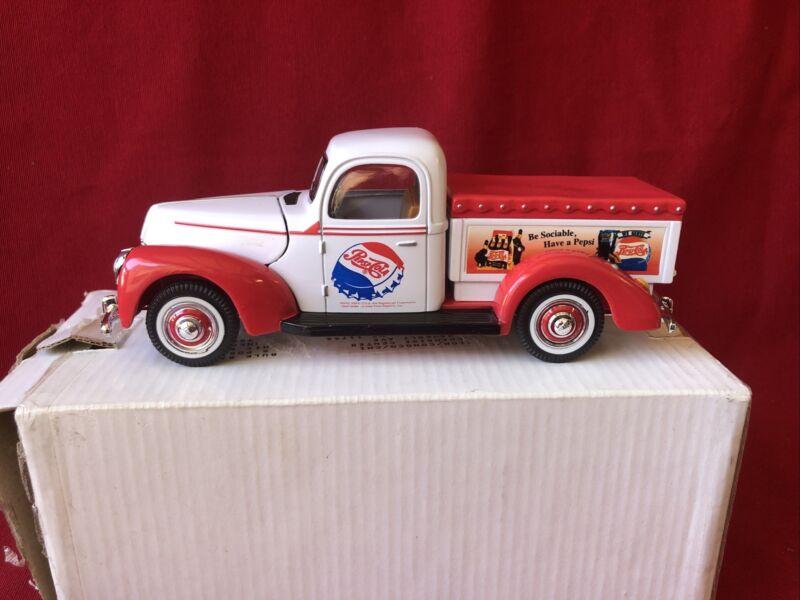 Pepsi Cola truck 1940 Golden Wheel Ford 40 new die cast