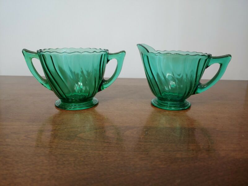 JEANNETTE PETAL SWIRL GREEN CREAMER & SUGAR - BEAUTIFUL - 1937-1938