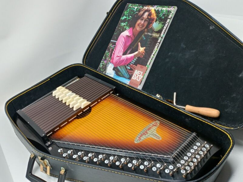 RBI Chromaharp Autoharp w/ Case, Mel Bey Manual, Tuning Hammer, Picks, Worn Pads