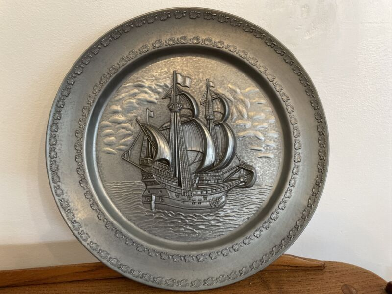 Large Heavy VINTAGE PEWTER  PLATE WITH A GALLEON SHIP 30 CM