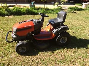 Ride on lawn mower Baldivis Rockingham Area Preview