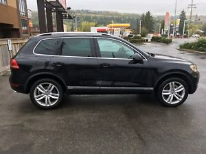 2011 Touareg Highline with Extended Warranty