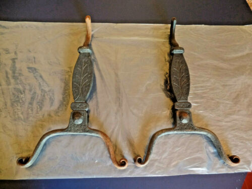Virginia Metalcrafters Cast Iron Fireplace Andirons