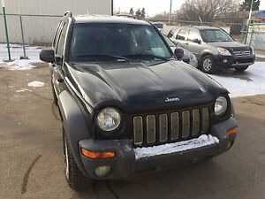 2004 Jeep Liberty Sport SUV 4 x 4
