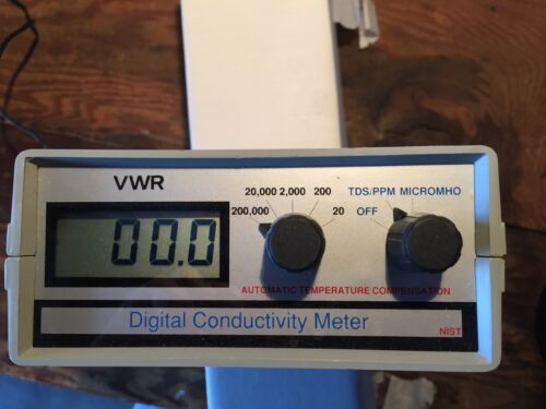 Portable VWR Conductivity, Total Dissolved Solids Meter with Power Supply
