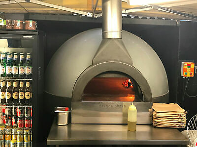 Pizza Oven  Wood and Gas Fired by Dragon Ovens tweedehands  verschepen naar Netherlands