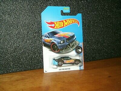 2017 Hot Wheels Race Team Super Treasure Hunt  2005 Ford Mustang / Protector