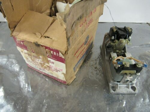 GENERAL ELECTRIC CR2820B110AA4 TIME DELAY RELAY 440VAC COIL ***NIB***