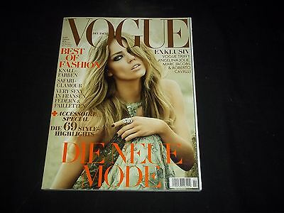 2009 FEBRUARY VOGUE DEUTSCH MAGAZINE - BEST OF FASHION - FASHION MODELS - F 2326
