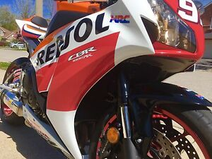 Honda CBR 1000RR REPSOL 600RR GSXR R1
