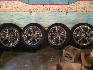 "22 "" chrome rims"