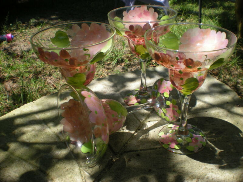 HANDPAINTED PEACH HYDRANGEAS. SET/4 MARGARITA GLASS (MADE IN THE USA)