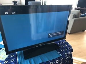 "32"" Sony LCD HD TV"