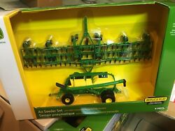 1/64 John Deere Air Seeder And Cart Ertl Farm Toy