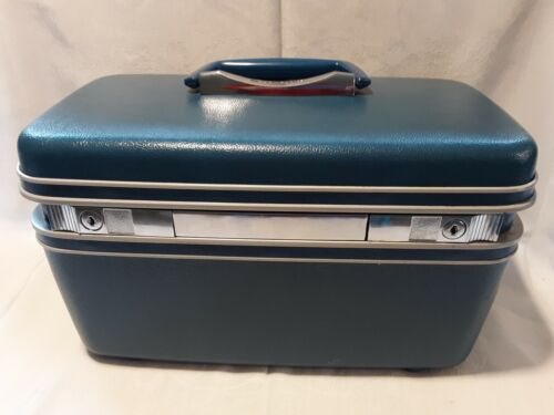 Vintage Samsonite Silhouette BLUE Textured Train Travel Case With KEY - $29.99
