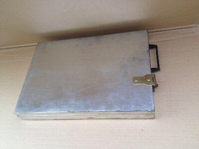 G/  Geld/Schmuck kasette Chrom aus Bank Schliessfach Tresor 37x24x4,5 cm Waffen?