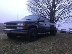 2000 Chevy K3500 LT dually  short bed  with 454