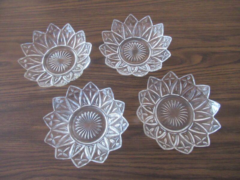 """Vintage Federal Petal Clear Glass Set of 4 - 5 1/2"""" Starburst Desert type Bowls"""