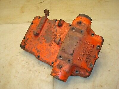 1959 Case 611b Tractor Eagle Hitch Top Cover Lift Cylinder Assembly