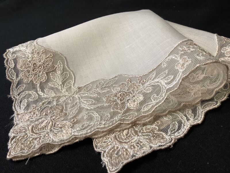 #6402🌟ELEGANT Regal Vintage Silk & Linen Needle Lace Wedding Handkerchief