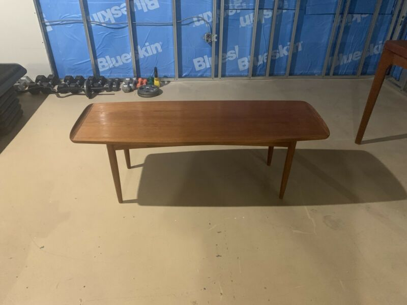 Teak Coffee table | Coffee Tables | Kawartha Lakes | Kijiji