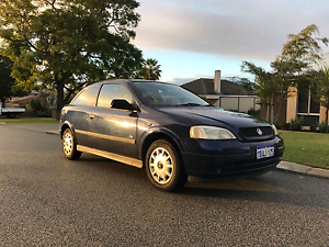 2001 holden Astra Nollamara Stirling Area Preview